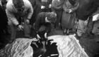 1984 Aventando las cenizas de su hijo en Urbasa